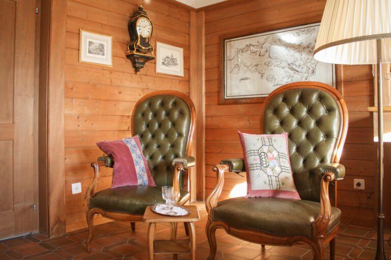 Fürstliche Sessel in der grossen Stube